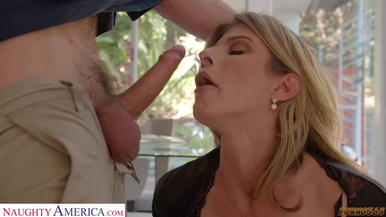 Luxurious mother seduced into sex a young guy from work