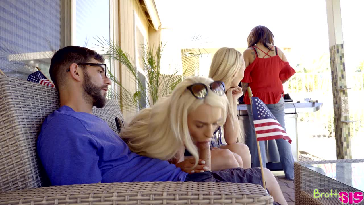 Emma Hix in Fucking For Fourth Of July – S5:E12